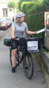 Distribution en vélo du courrier quotidien